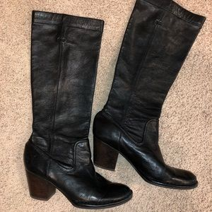 Frye Rory scrunch pull on heeled boot size 8